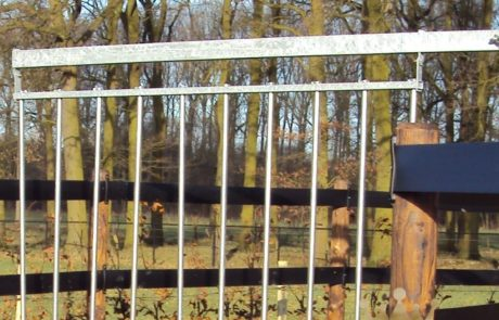 アルミニウムバーの回転フェンス