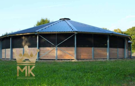 Details van een metalen dak met versteviging