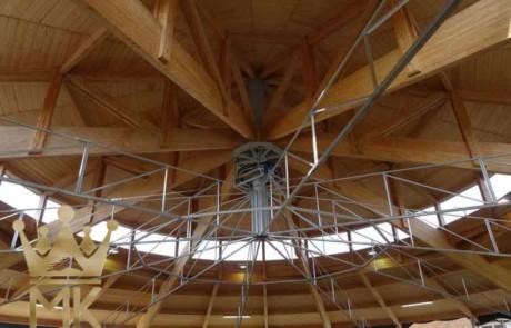 Skywalker zainstalowany do drewnianego dachu we Francji