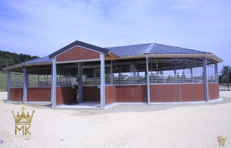 Entrance of the Rail-Gliding Horse exerciser